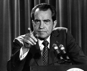Nixon, pointing out the advantages of an Evironmental Protection Agency.