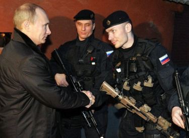 putin and soldiers
