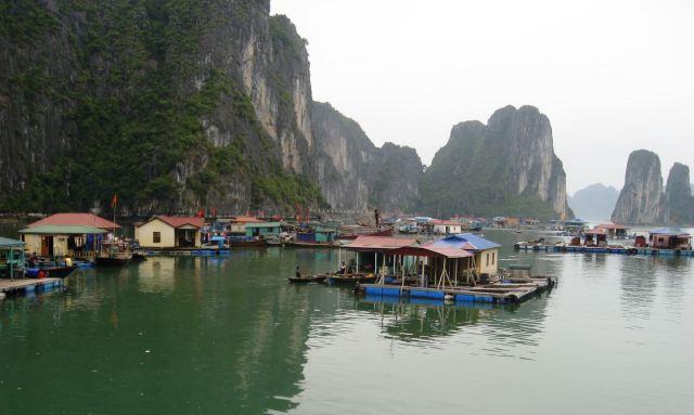 ha long village2
