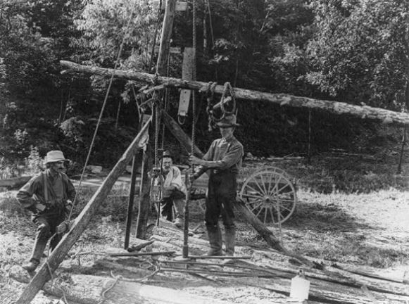 spring pole well, 1924, US Dept Interior photo